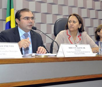 Audiência Pública Senado - SNE - 22/10/2015 - Idilvan Alencar (Fnde)